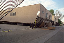 220px-Collapsed_Apartment_After_Northridge_Earthquake